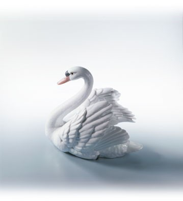 Lladro Swan with Wings Spread 1984-07