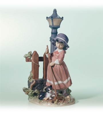 Lladro Fall Clean Up Porcelain Figurine