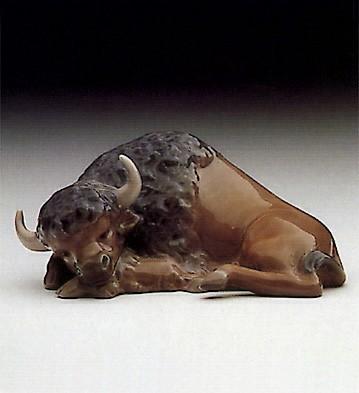 LladroMini Bison Resting 1985-89Porcelain Figurine