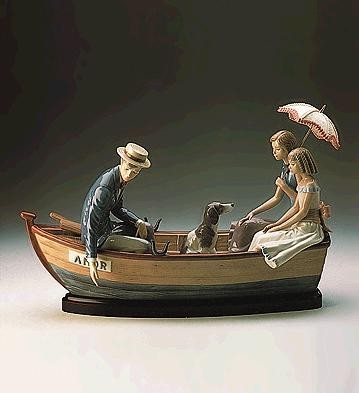 LladroLove Boat Le3000Porcelain Figurine