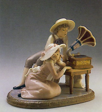 Lladro Music Time 1987-90 Porcelain Figurine