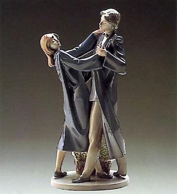 LladroGraduation Dance 1988-89Porcelain Figurine
