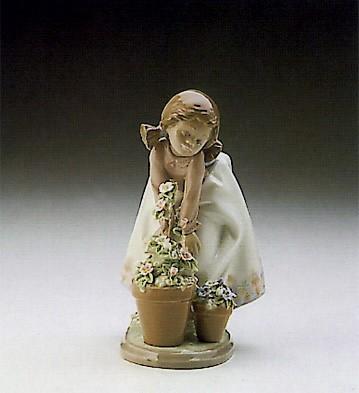 LladroPretty Posies 1989-94Porcelain Figurine