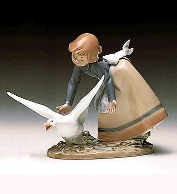 Lladro Wild Goose Chase 1989-97 Porcelain Figurine