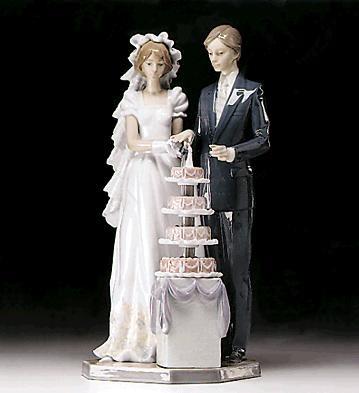 LladroWedding Cake 1989-96Porcelain Figurine