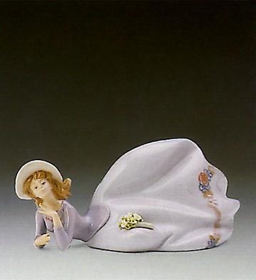 LladroPretty Pose 1989-93Porcelain Figurine