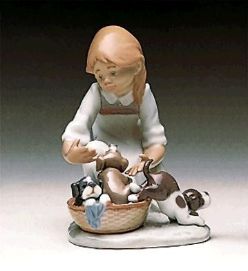 Lladro Joy In A Basket 1989-97 Porcelain Figurine