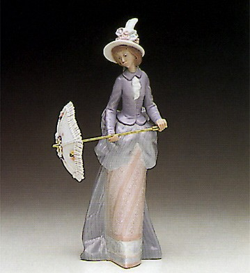 Lladro Feathered Hat On The Avenue 1990-94 Porcelain Figurine