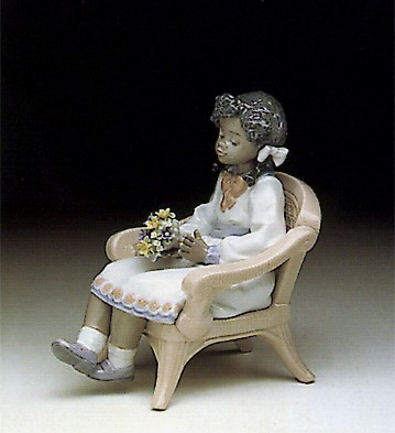 Lladro Sitting Pretty 1990-98 Porcelain Figurine
