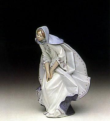LladroMary 1991-96Porcelain Figurine