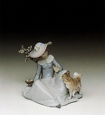 LladroNot To Close ! 1991-94Porcelain Figurine