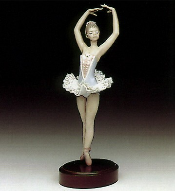 Lladro On Her Toes Porcelain Figurine