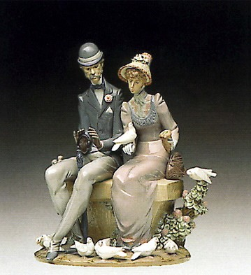Lladro A Quite Afternoon 1992-95 Porcelain Figurine