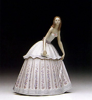 Lladro Waiting To Dance 1992-95 Porcelain Figurine