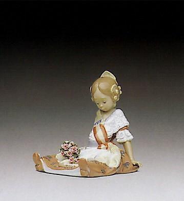 LladroFallas Queen 1992-95Porcelain Figurine