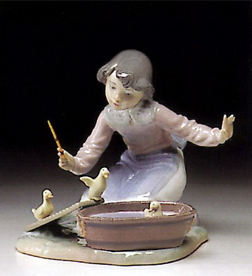 Lladro It's Your Turn 1993-96 Porcelain Figurine