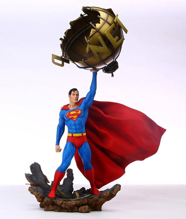 Grand Jester StudiosDC Comics Superman Figurine