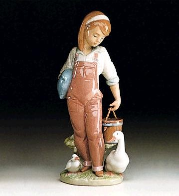 LladroSaturday's Child (girl) 1993-97Porcelain Figurine