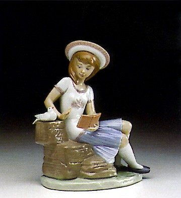 Lladro Sunday's Child (girl) 1993-97 Porcelain Figurine