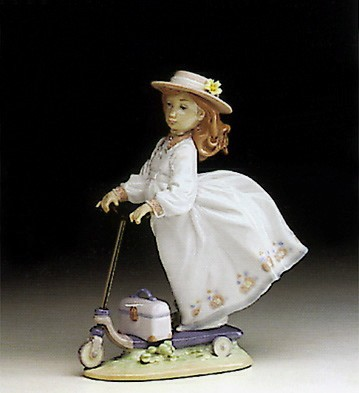LladroOn The Go 1993-95Porcelain Figurine