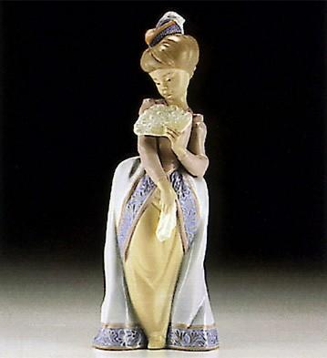 LladroConstance 1994-97***Porcelain Figurine