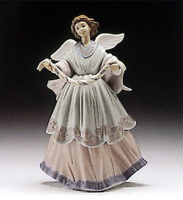 LladroJoyful Offering 1994-95Porcelain Figurine