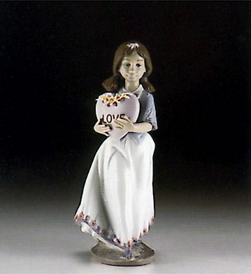 Lladro European Love 1994-99 Porcelain Figurine