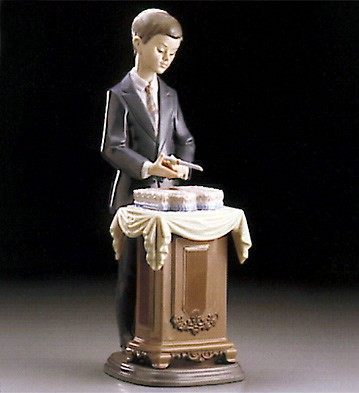 Lladro Coming Of Age 1995-99 Porcelain Figurine