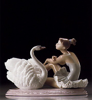 Lladro Grace & Beauty 1995-99 *** Porcelain Figurine