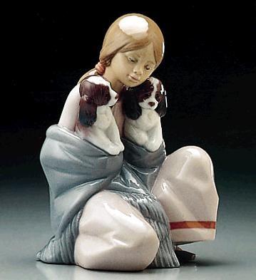 LladroSnuggle Up 1995-2000Porcelain Figurine