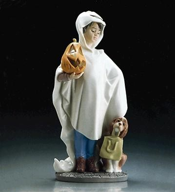 Lladro Trick Or Treat 1995-97 Porcelain Figurine