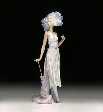 LladroCoqueta 1996-99Porcelain Figurine