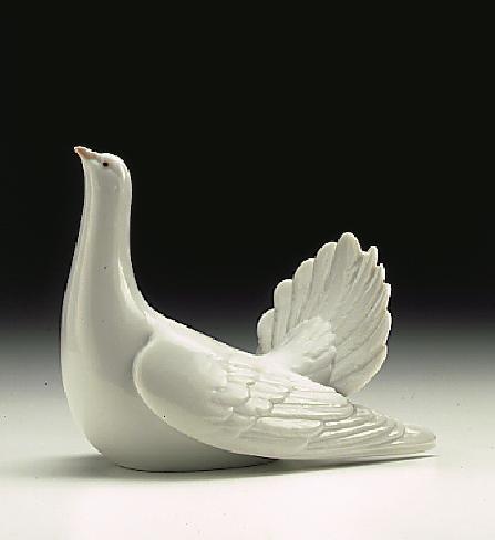 LladroRestless Dove 1996-99Porcelain Figurine
