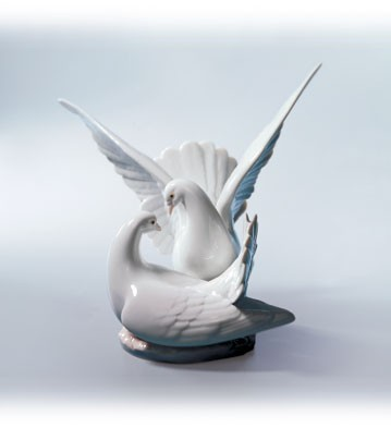 Retired Lladro Love Nest