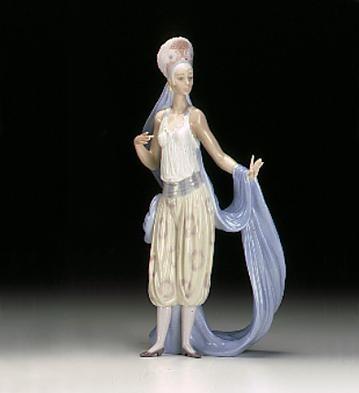 LladroThena 1996-99 ***Porcelain Figurine