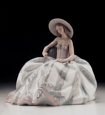 Lladro Dreaming Of You 1996-99 Porcelain Figurine