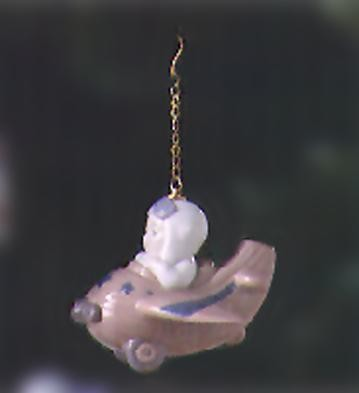 LladroLittle AviatorPorcelain Figurine