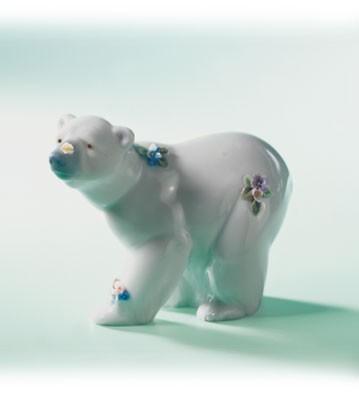 LladroAttentive Polar Bear with FlowersPorcelain Figurine
