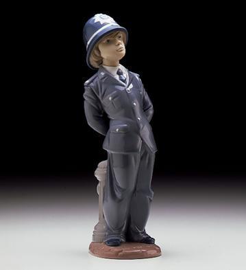 LladroLittle Policeman 1997-00Porcelain Figurine