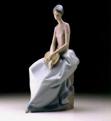 LladroA Quiet Moment 1997-99Porcelain Figurine