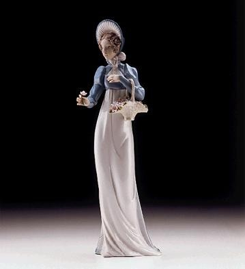 Lladro A Flower For You 1997-00 Porcelain Figurine