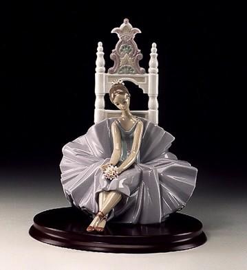 LladroPosing For A Potrait 1998-00Porcelain Figurine