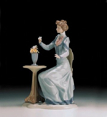 LladroA Lovely Thought 1998-00Porcelain Figurine