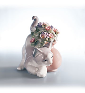 LladroSecret SpotPorcelain Figurine