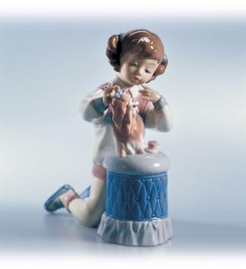 LladroMy Pretty Puppy 1999-02Porcelain Figurine