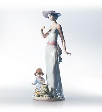 LladroFlower In Bloom 1999-02Porcelain Figurine