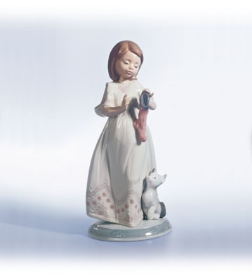 Lladro A Stocking For Kitty Porcelain Figurine