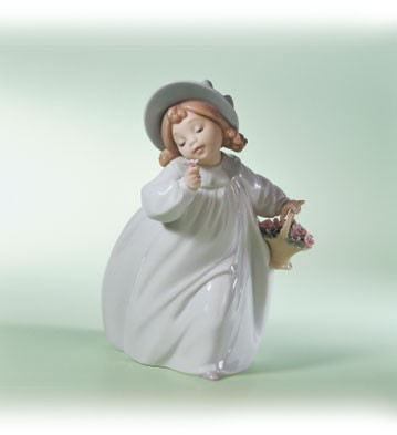 LladroRomancePorcelain Figurine