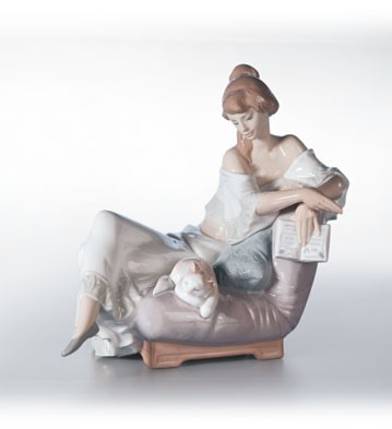 Lladro Reading Companion 2001-02 Porcelain Figurine