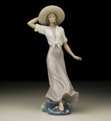 Lladro Mediterranean Light 2002 Event Porcelain Figurine